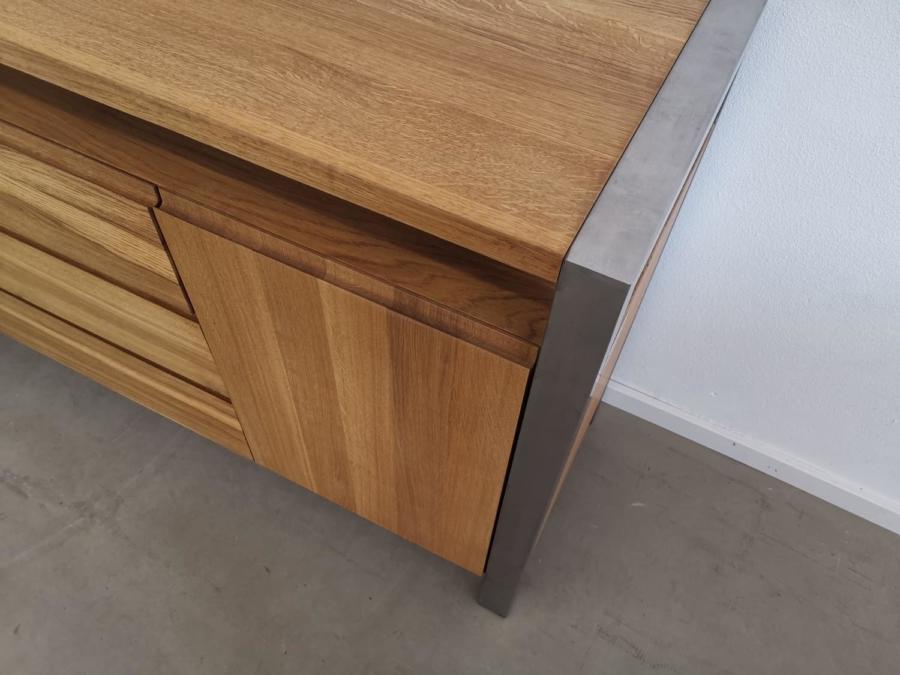 massivholz-sideboard-lando-eiche_02