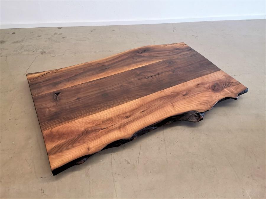 massivholz-tischplatte-nussbaum-baumkante_mb-351 (3)