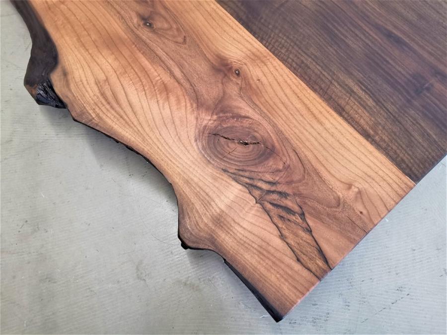 massivholz-tischplatte-nussbaum-baumkante_mb-351 (5)