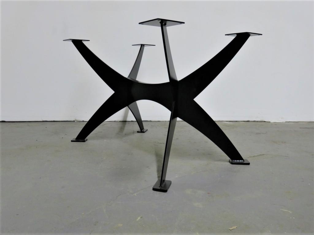 massivholz-tischgestell-axe-metall-pulverbeschichtet-schwarz_01