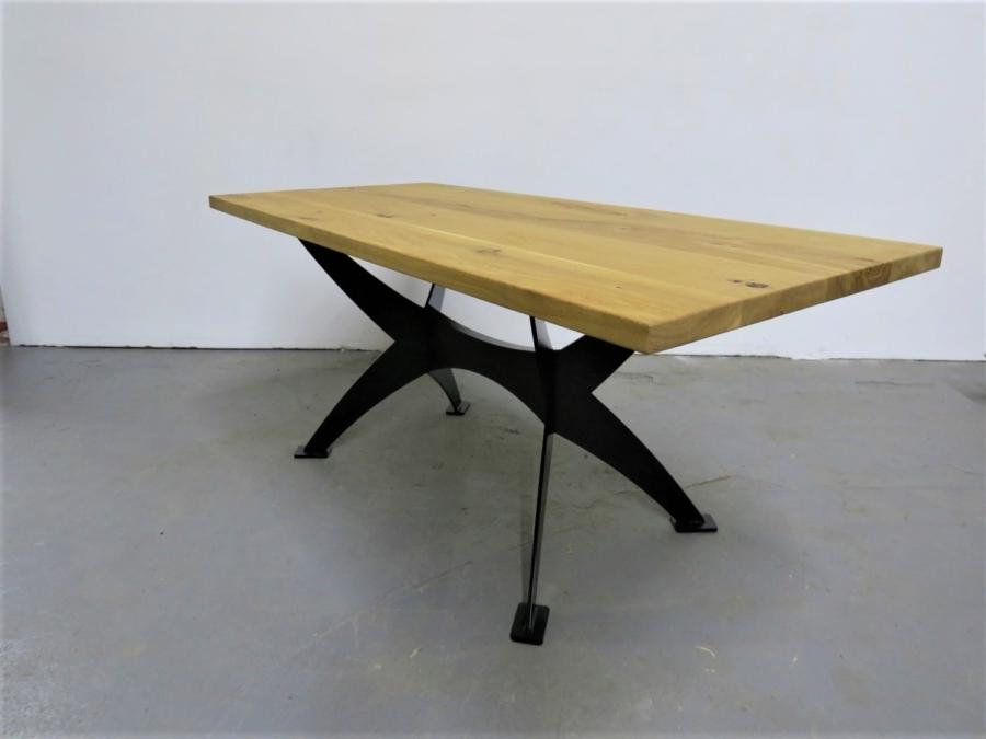massivholz-tischgestell-axe-metall-pulverbeschichtet-schwarz_02