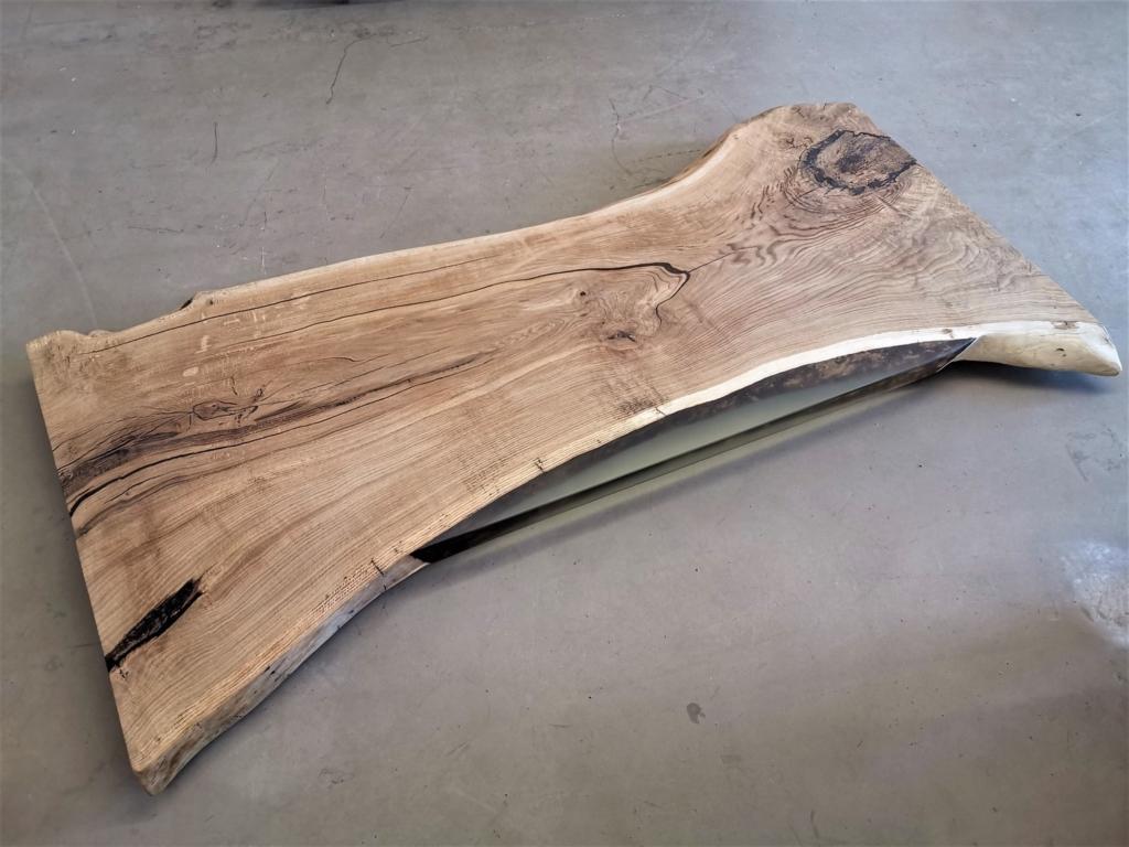 Eiche Tischplatte mit Baumkante | Epoxid