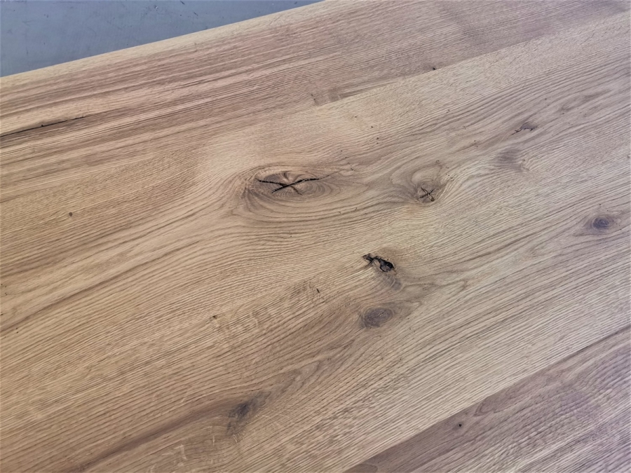 massivholz-tischplatte-asteiche-baumkante_mb-330_05