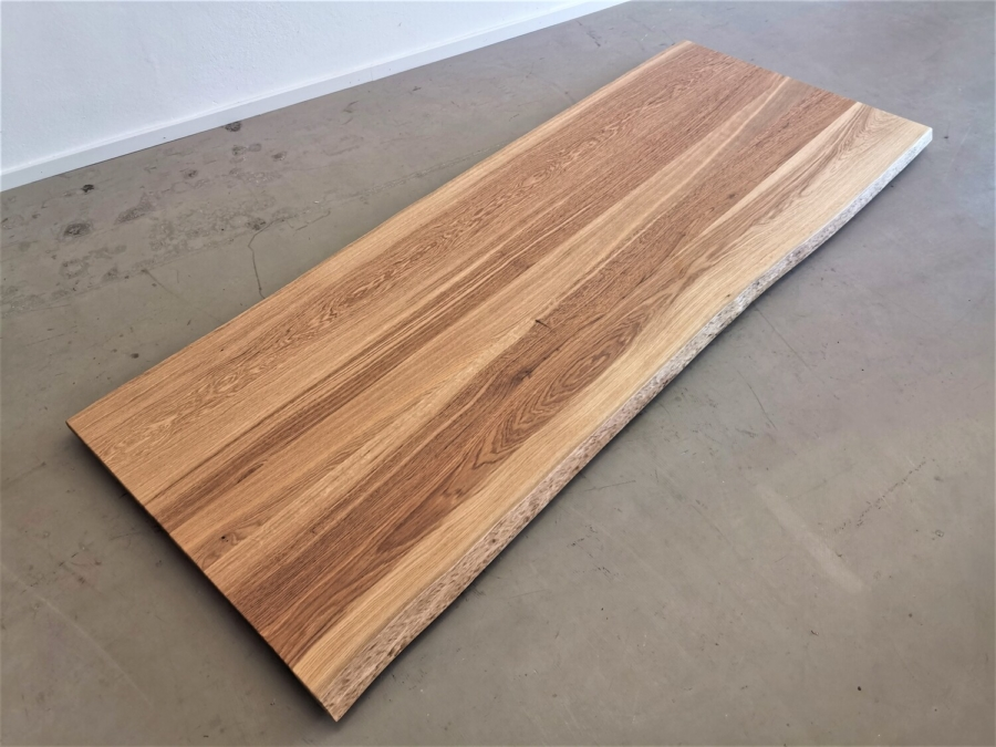 massivholz-tischplatte-asteiche-baumkante_mb-335_01