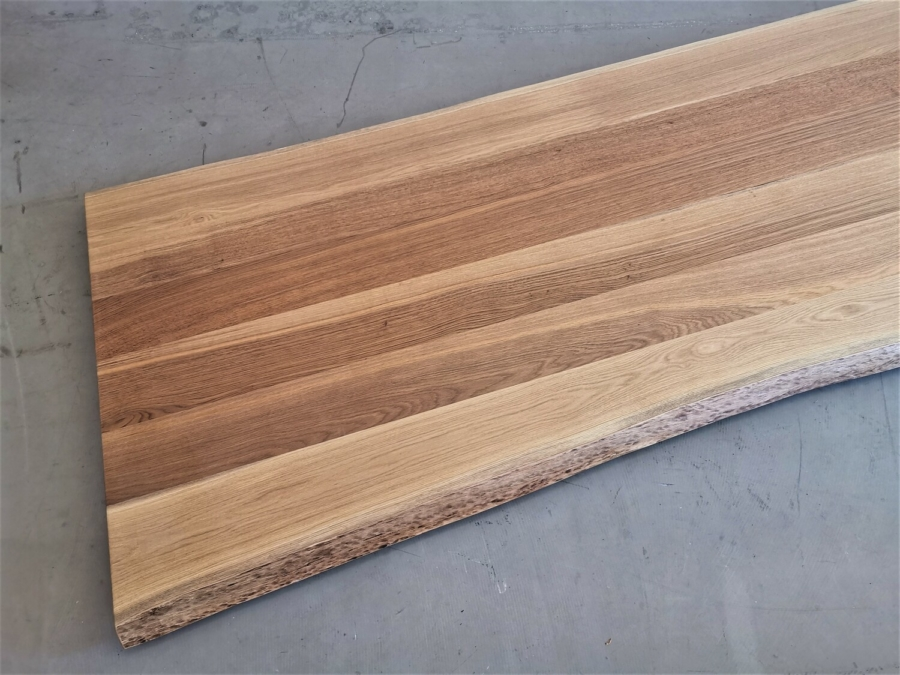 massivholz-tischplatte-asteiche-baumkante_mb-338_05