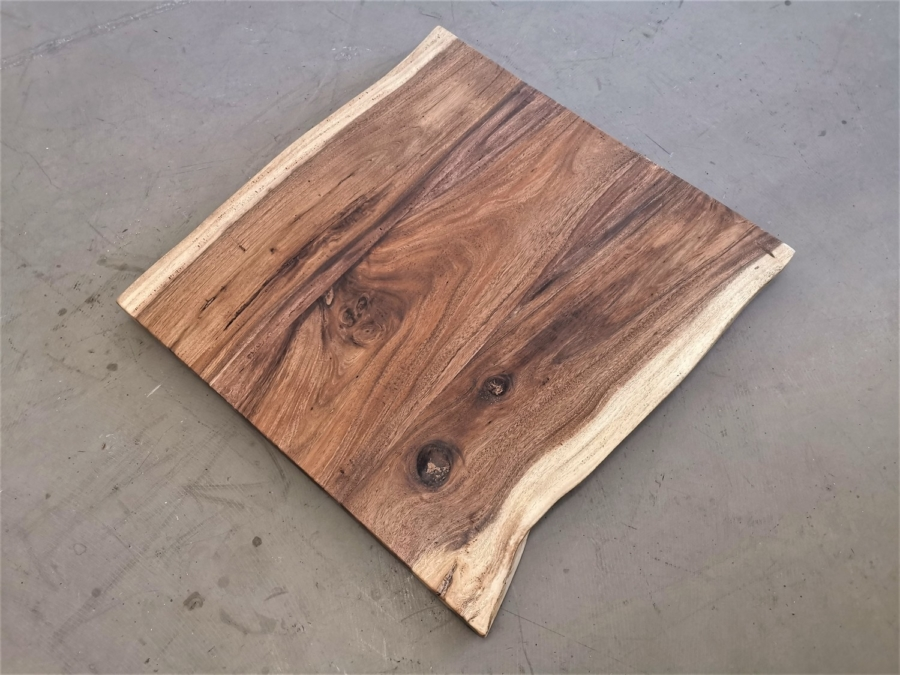massivholz-tischplatte-baumkante-akazie_mb-404 (1)