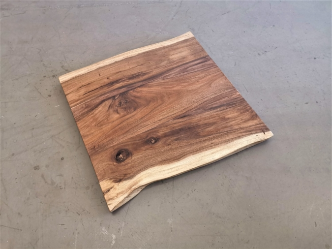 massivholz-tischplatte-baumkante-akazie_mb-404 (2)