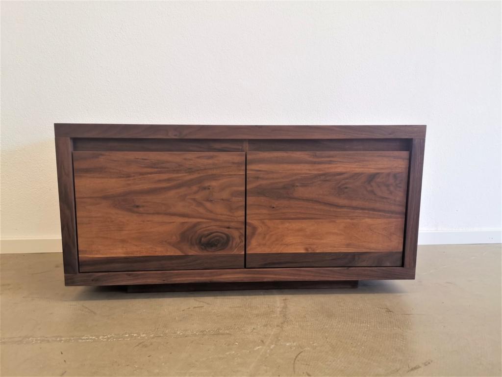 massivholz-sideboard-tv-board-amerik. Nussbaum_mbs-006 (3)