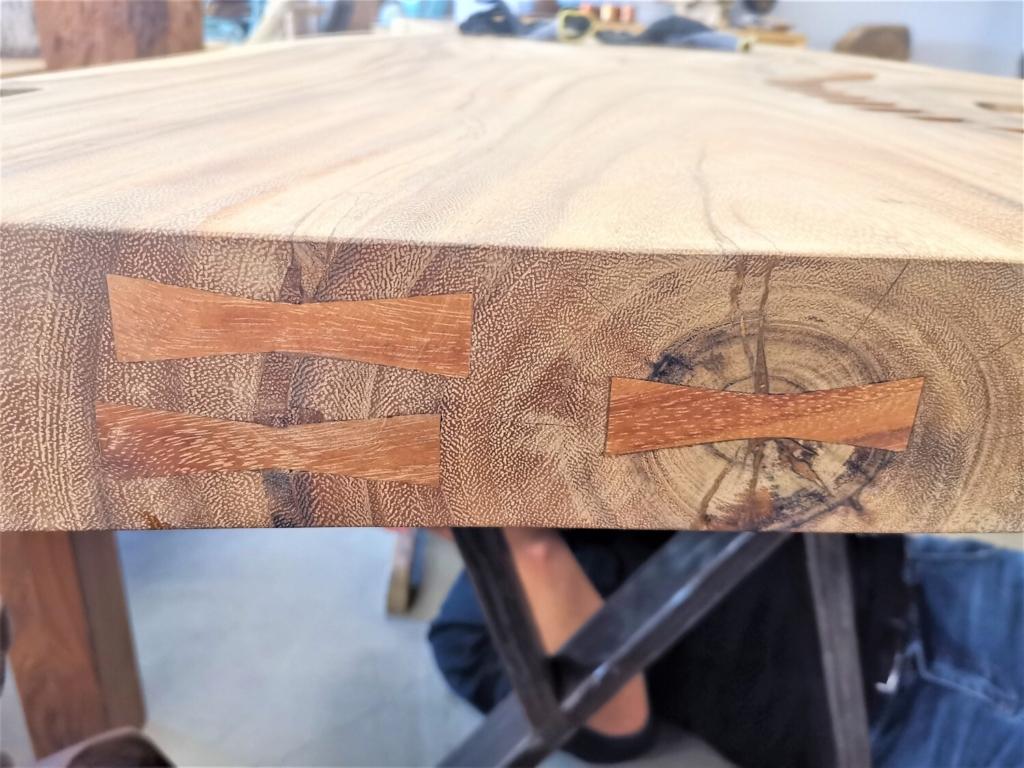 massivholz-tischplatte-designplatte-glaseinsatz-akazie_mb-342 (17)