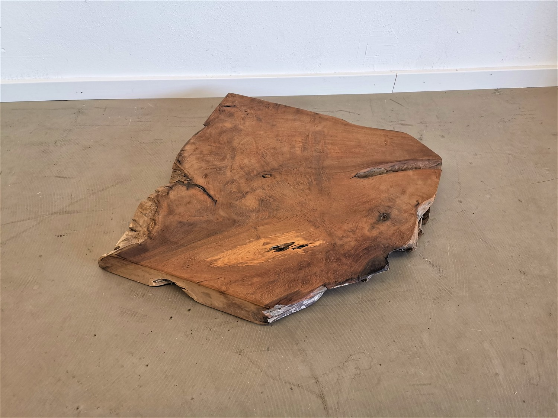 massivholz-tischplatte-baumscheibe-teak-baumkante_mb-362(1)