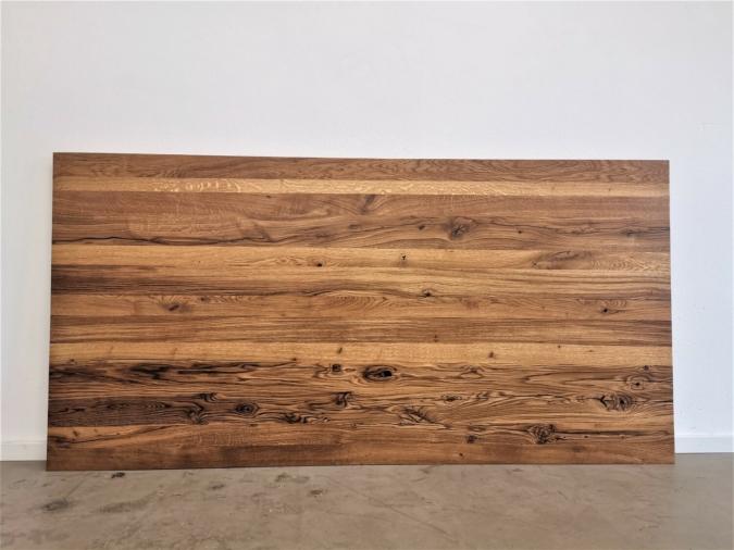 massivholz-tischplatte-epoxy-schweizer kante-asteiche_mb-402 (3)