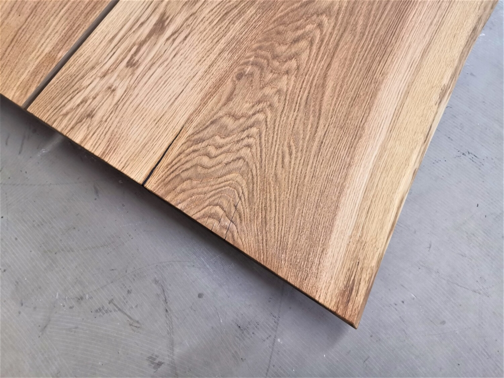 massivholz-tischplatte-baumkante-asteiche_mb-418 (7)