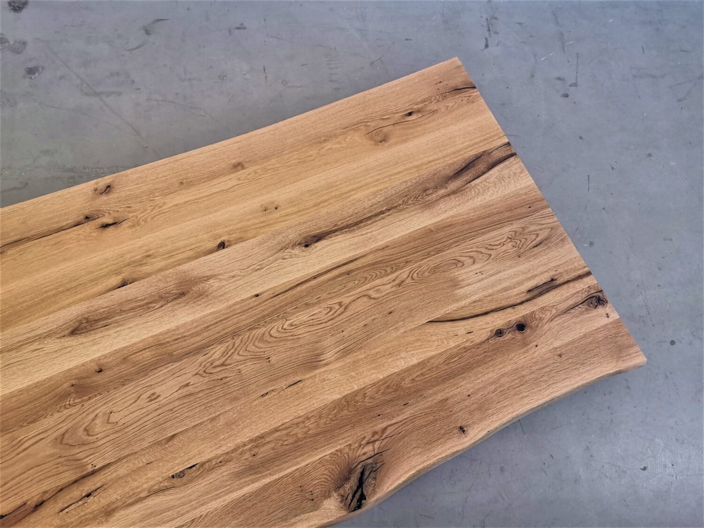 massivholz-tischplatte-baumkante-asteiche_mb-428 (7)