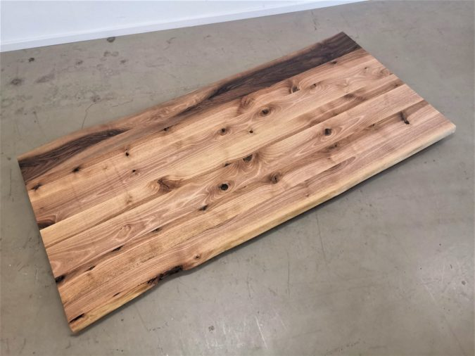massivholz-tischplatte-baumkante-nussbaum_mb-419 (3)