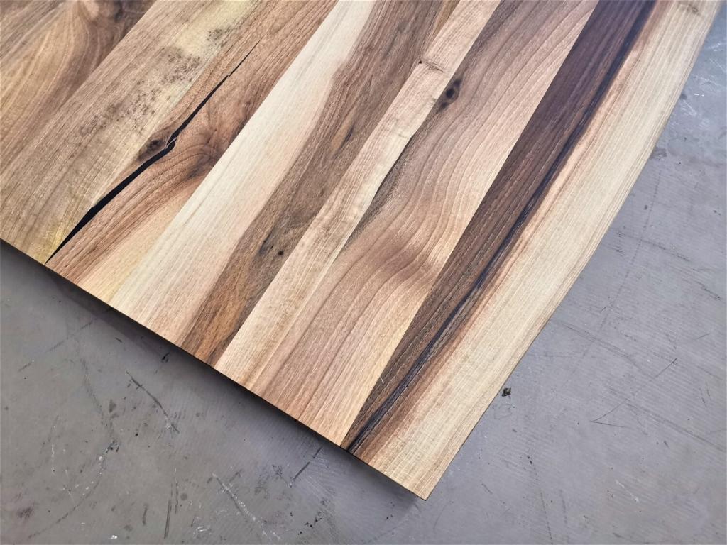 massivholz-tischplatte-baumkante-nussbaum_mb-427 (6)