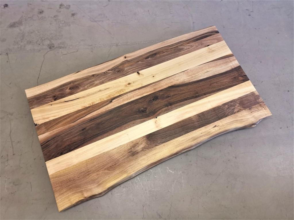 massivholz-tischplatte-nussbaum-baumkante_mb-410 (7)