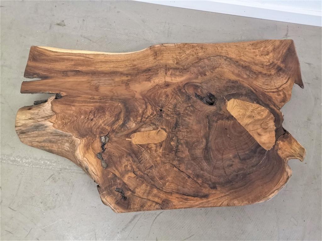 Teak Platte mit Baumkante
