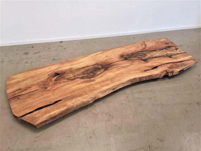 massivholz-tischplatte-am-stueck-baumkante-kernbuche_mb-487 (1)