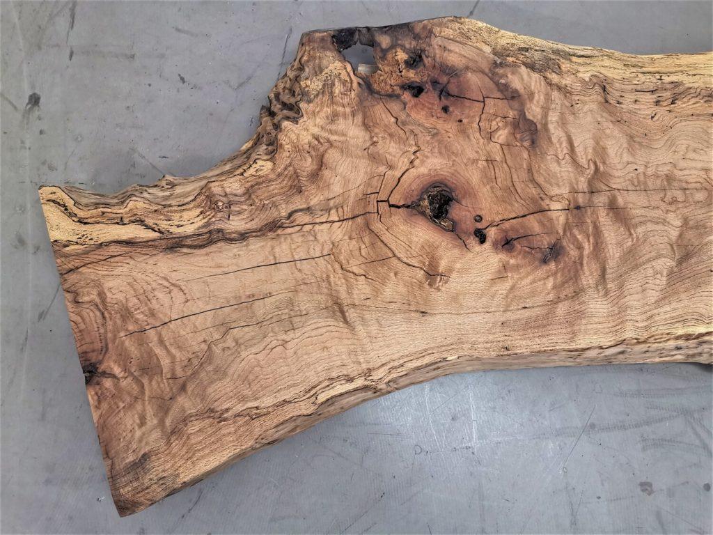 massivholz-tischplatte-am stueck-baumkante-asteiche_mb-539 (4)