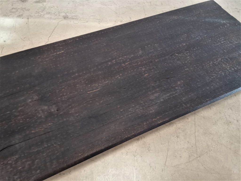 Eiche Tischplatte aus Balken geköhlt