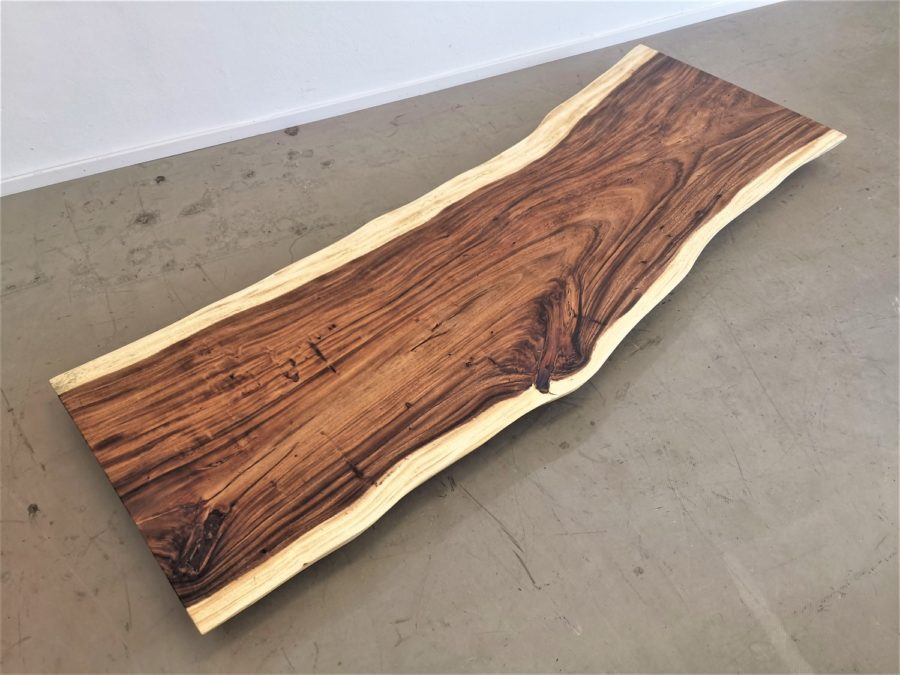 massivholz-tischplatte-baumkante-akazie_mb-568 (1)