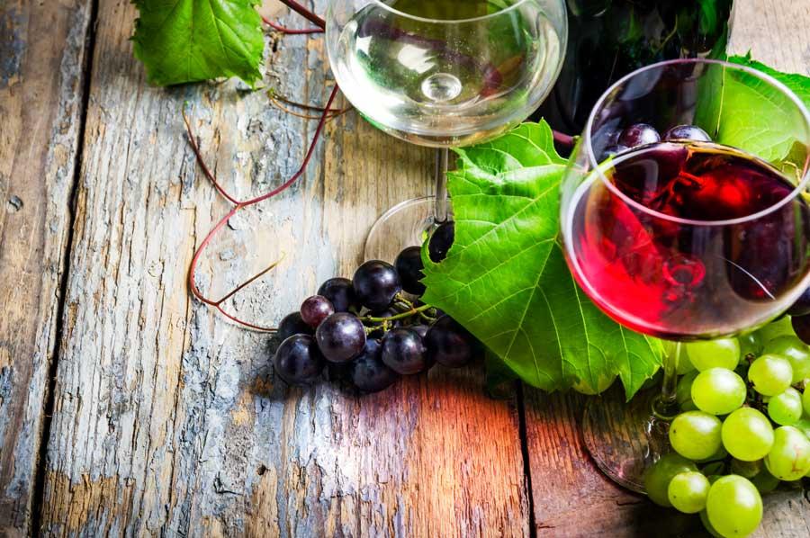 massmoebel-massivholz-tischplatte-rotwein-weisswein