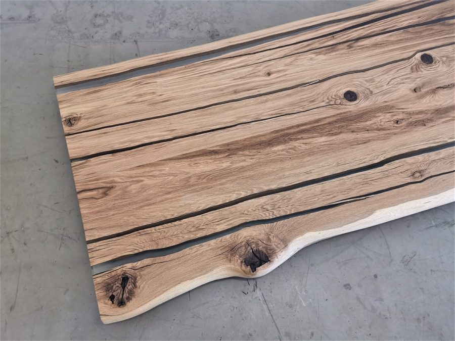 massivholz-tischplatte-baumkante-epoxid-glasklar-asteiche_mb-577 (6)