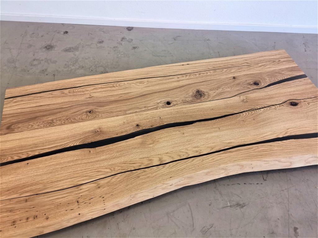 massivholz-tischplatte-baumkante-epoxid-hellgrau-asteiche (7)