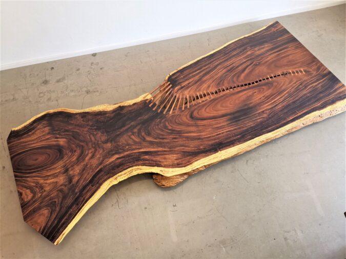 massivholz-tischplatte-designplatte-baumkante-akazie_mb-602 (1)