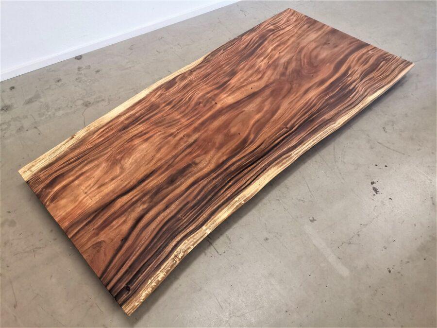 massivholz-tischplatte-am-stueck-akazie_mb-662 (1)