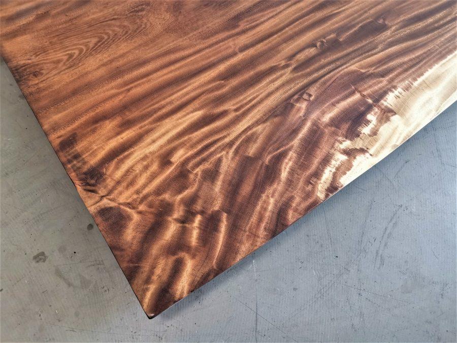 massivholz-tischplatte-baumkante-akazie_mb-714 (4)