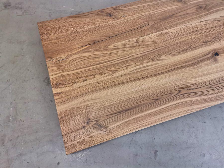 massivholz-tischplatte-schweizer kante-asteiche-epoxid_mb-718 (4)