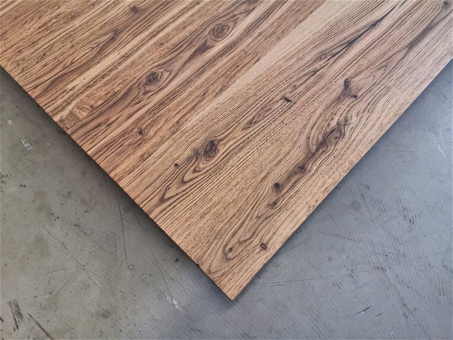 massivholz-tischplatte-schweizer kante-asteiche-knorrig_mb-708 (4)