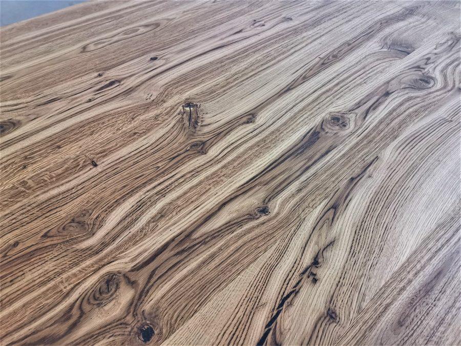 massivholz-tischplatte-schweizer kante-asteiche-knorrig_mb-708 (6)