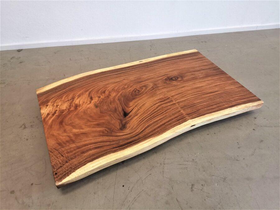 massivholz-tischplatte-am stueck-baumkante-akazie_mb-738 (2)