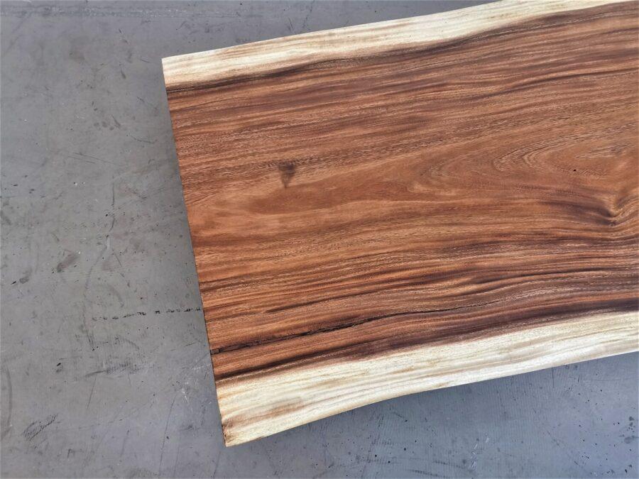 massivholz-tischplatte-baumkante-akazie_mb-731 (4)