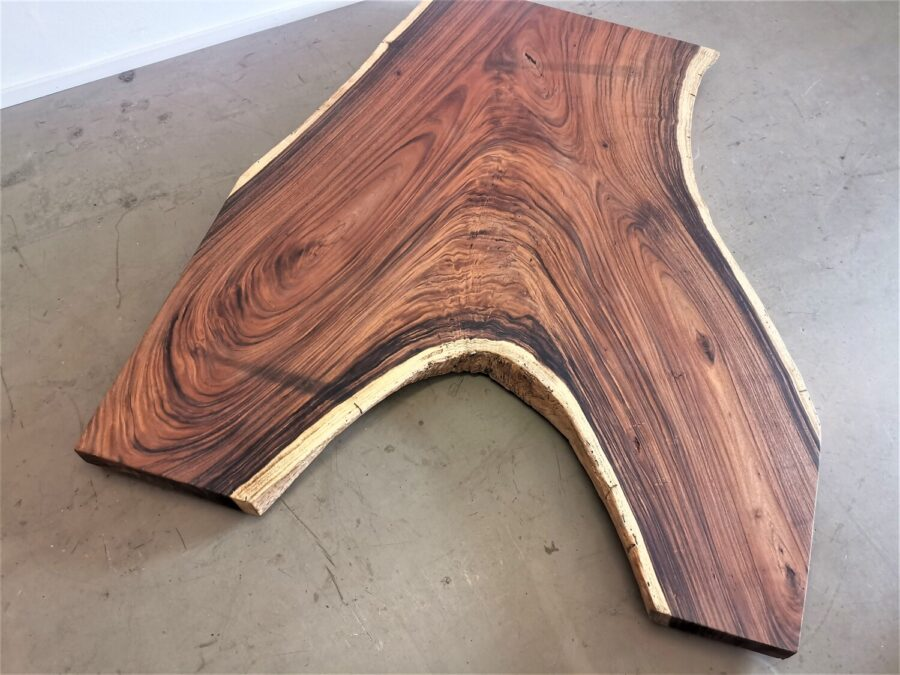 massivholz-tischplatte-designplatte-astgabel-akazie_mb-747 (4)